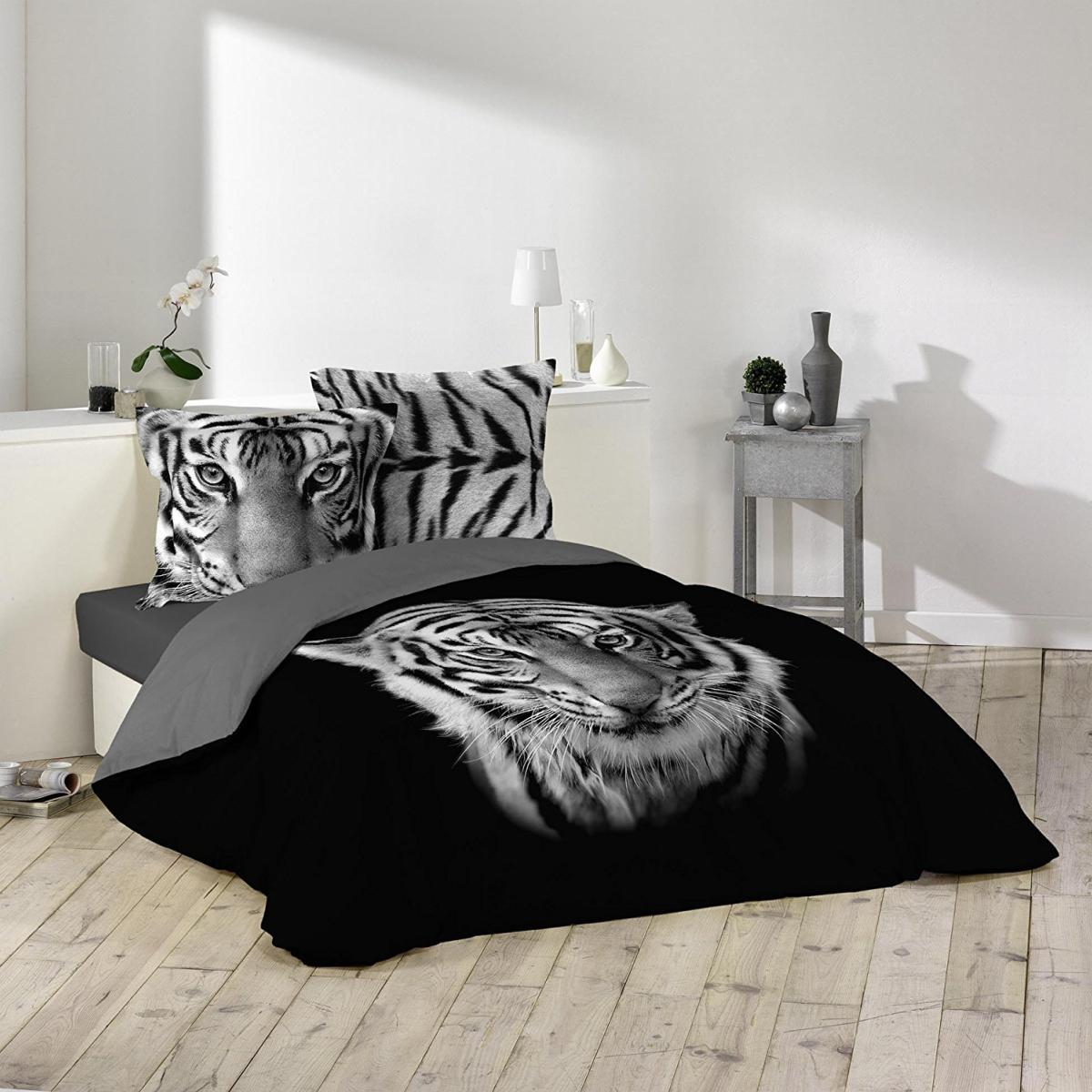 parure housse de couette tigre sherkan noir et blanc 100 coton avec dessin place j k markets. Black Bedroom Furniture Sets. Home Design Ideas