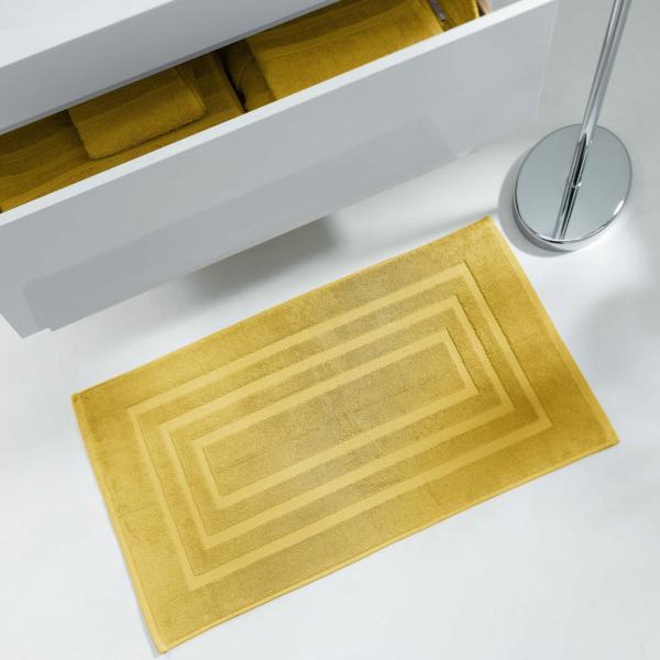 tapis ponge pour sortie de bain ou de douche 50x85cm 100 coton jaune miel j k markets. Black Bedroom Furniture Sets. Home Design Ideas