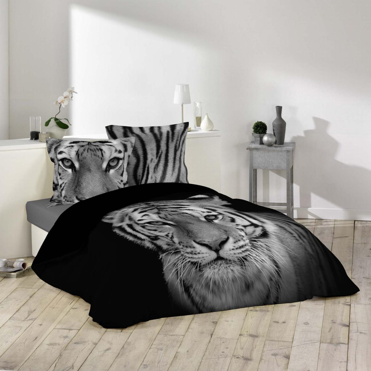 parure housse de couette tigre noir et blanc 100 coton avec dessin plac j k markets. Black Bedroom Furniture Sets. Home Design Ideas