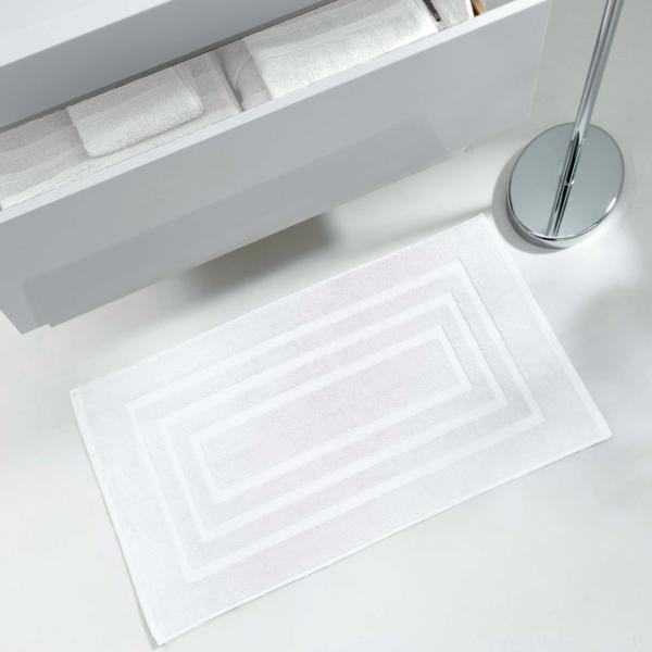 tapis ponge pour sortie de bain ou de douche 50x85cm 100 coton blanc j k markets. Black Bedroom Furniture Sets. Home Design Ideas